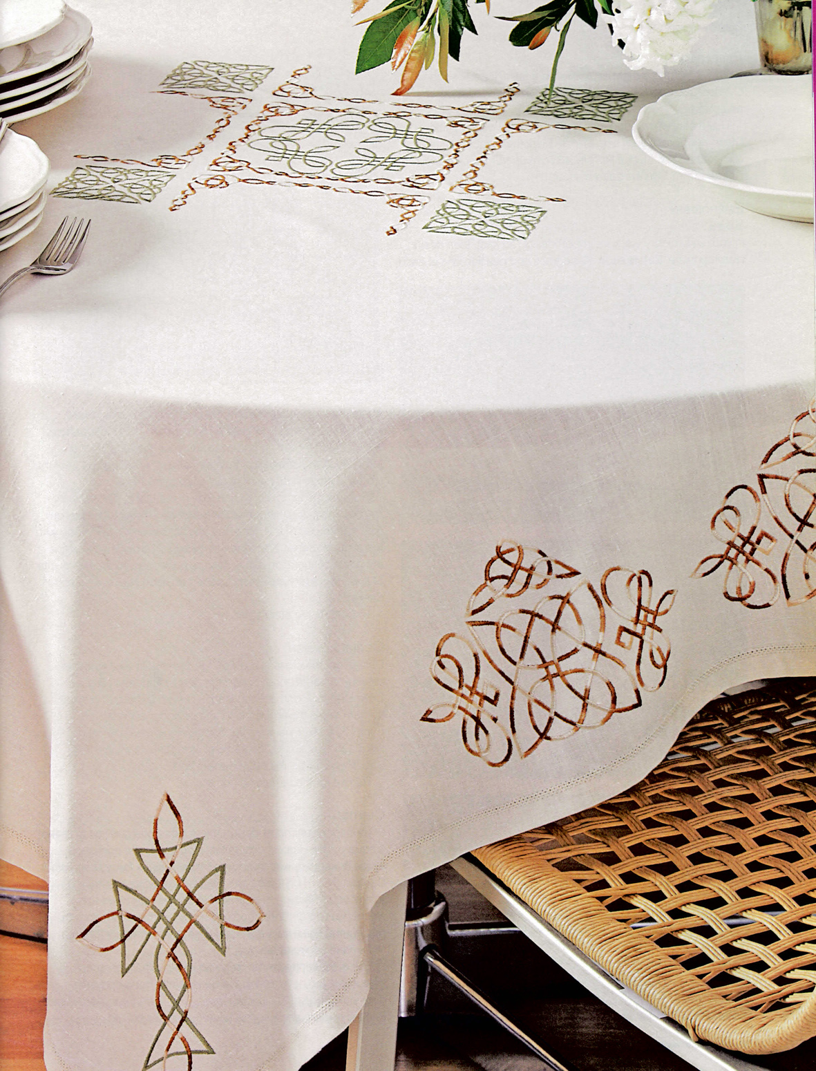 Outline embroidery designs for tablecloth - A Few Designs Celtic Tablecloth